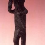 Antas-Fluminimmagiore (CA). Figurina votiva in bronzo dalla tomba n. 3 (X sec. a.C.).