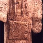 Monte Prama - Cabras (OR). Torso in arenaria di arciere nuragico (fine VIII-inizi VII sec. a.C.).